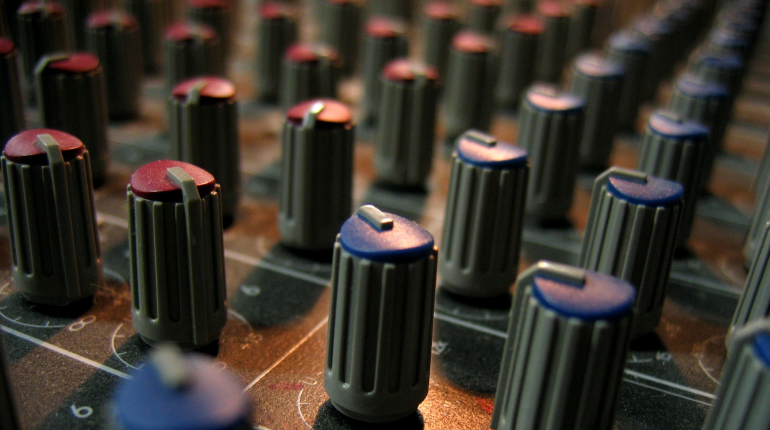 console controls modulator knobs